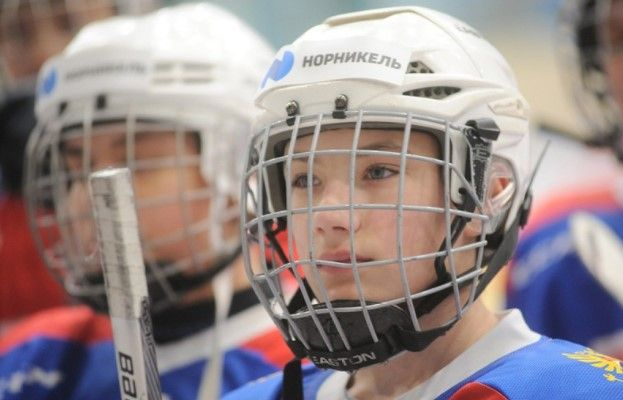 В Норильске продолжают развивать детский хоккей